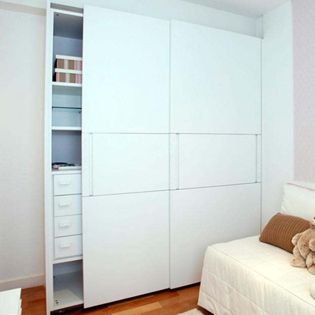 Closet door in reach in closet